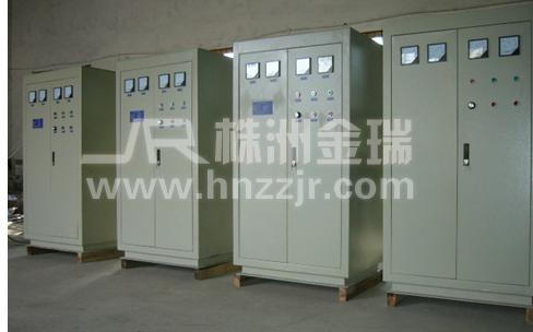 4000hz中频电源进行感应加热,功率范围为100-6000kw,主要用于熔 炼钢